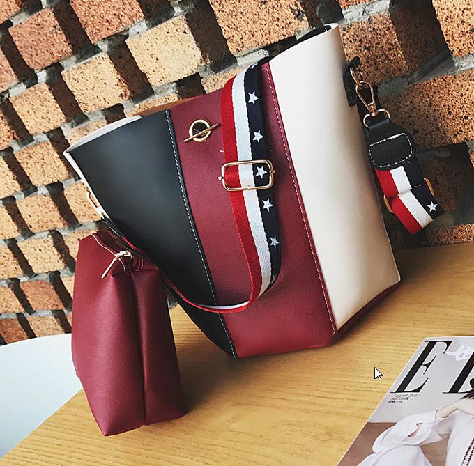 Модная сумка мешок с клатчем и красочным поясом