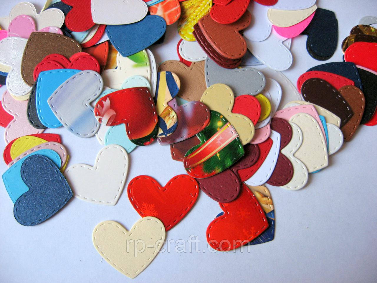 Набір вирубування з паперу та картону. Серце з рядком, 30х35 мм, 20 штук, мікс