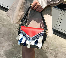 Мила жіноча сумка скриня з балабонами, фото 2