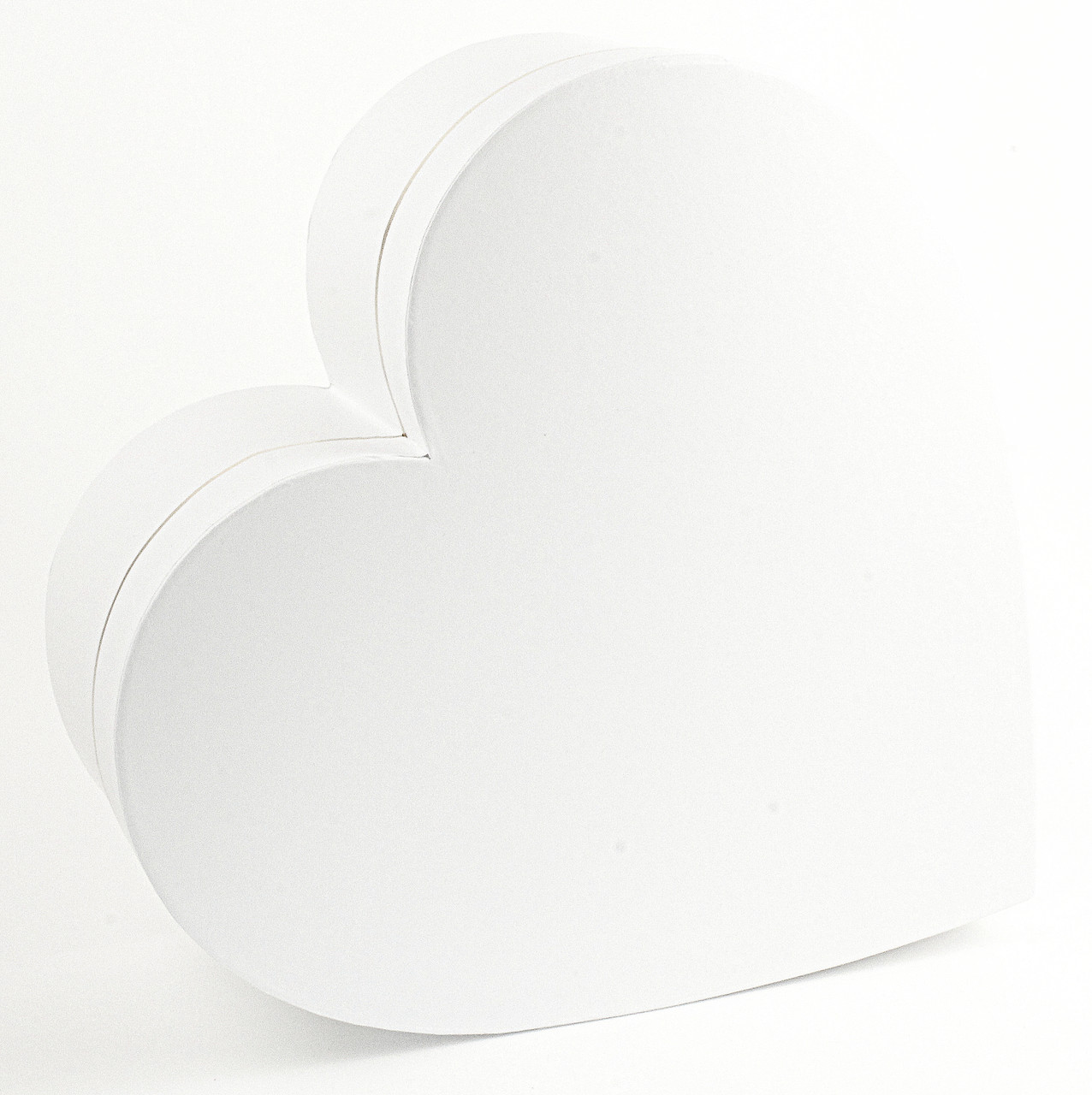 Подарочная коробка белая в форме сердца 15 x 13 x 7.2 см