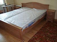 Кровать деревянная и тумба, фото 1