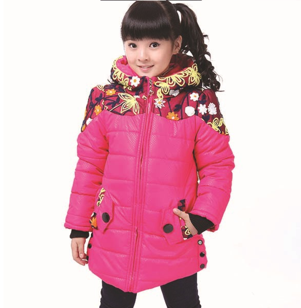 Красивая зимняя куртка на девочку