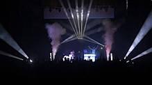 Сочетание дым машины и 2-зонной светодиодной заливки CHAUVET Geyser T6, фото 3