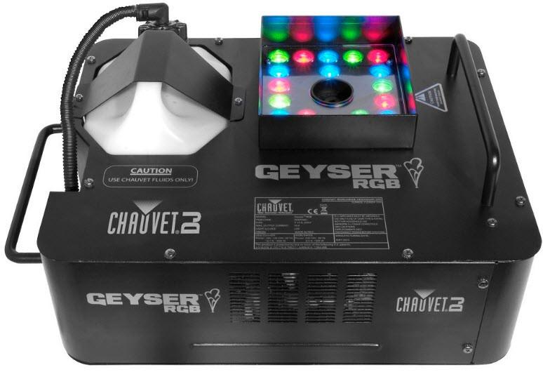 Прибор, сочетающий в себе дым машину и светодиодную заливку CHAUVET Geyser RGB