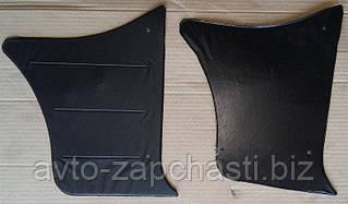 Обивка передняя 2105 боковая (кожа)(2ч)/уголок