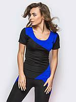 Практичная футболка для спорта с синими вставками