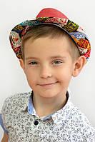 Детская шляпа красного цвета