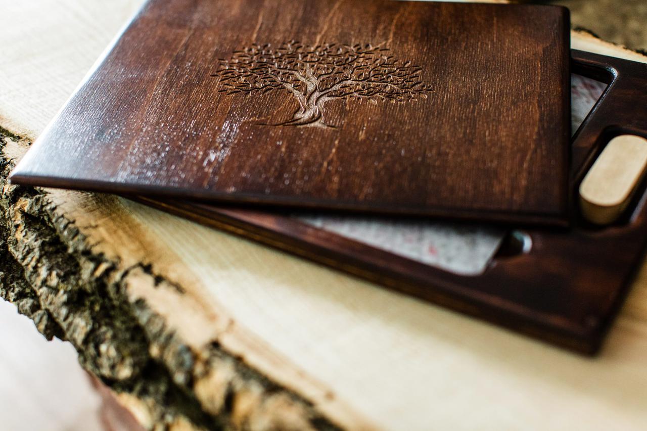 Короб для фотографій та USB - флешки з натурального дерева, темний дуб, під фото 15х21см