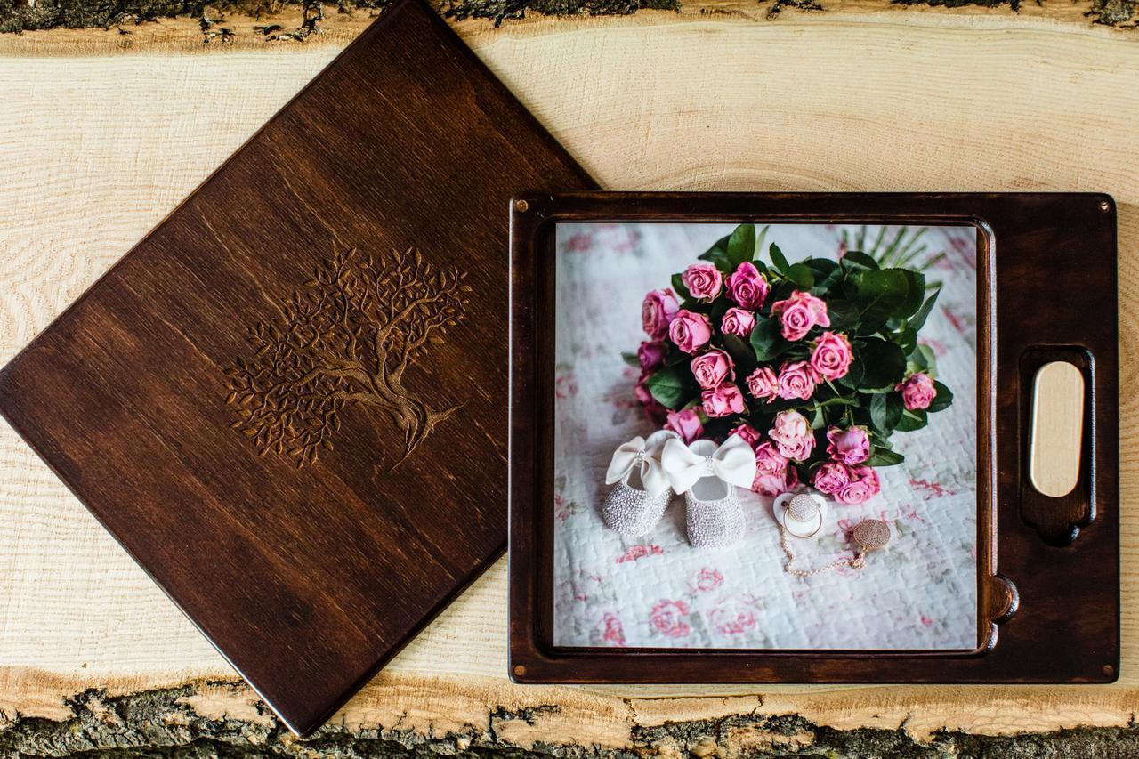 Короб для фотографій та USB - флешки з натурального дерева, темний дуб, під фото 10х15см