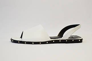Босоножки с шипами белые Molly Bessa, фото 2