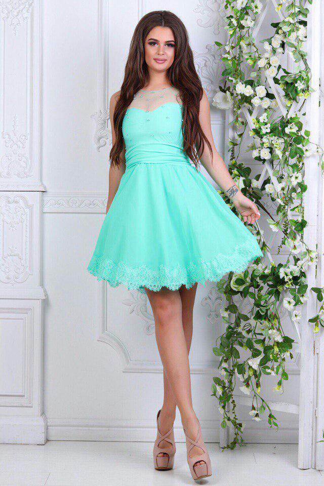 Платье короткое с кружевом мятное
