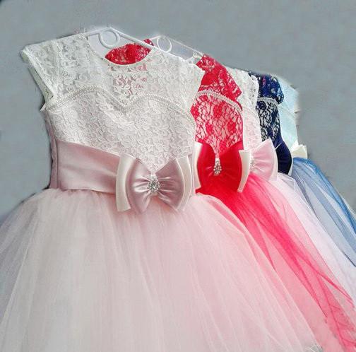 Детское красивое платье c юбкой из фатина на 6-7 лет