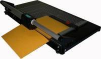 I-003, резак роликовый 970 мм., 20 листов, прижим автоматический.