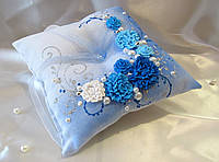 Синяя подушечка для колец