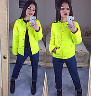 Жіноча стильна коротка куртка на кнопках