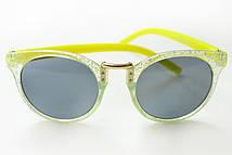 Яркие очки от солнца для девочек