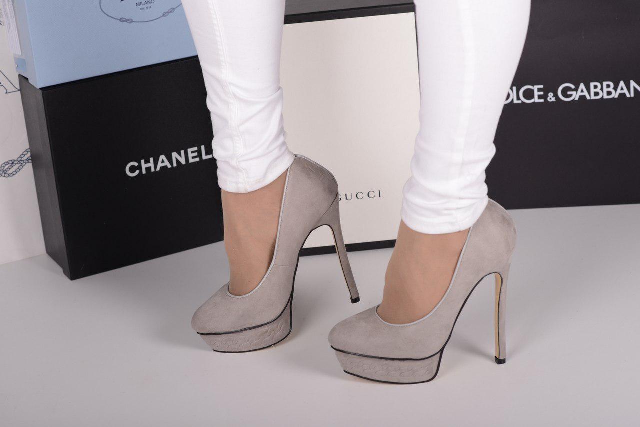 Серые туфли на каблуке и платформе