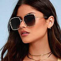 Квадратные солнцезащитные очки в металлическом плетении