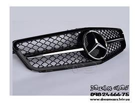 Установка тюнингованной решетки радиатора на автомобиль Mercedes w204 3