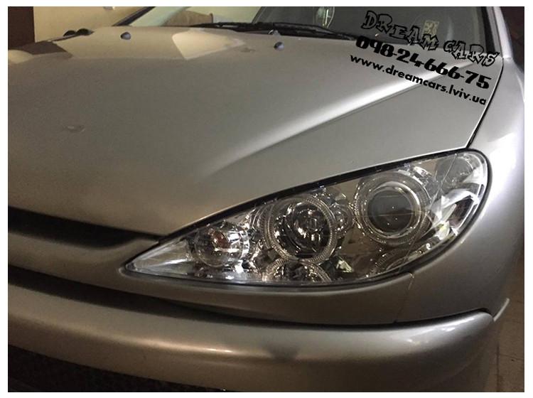 Установка альтернативной оптики на автомобиль Peugeot 206
