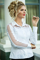 Элегантная белая женская блузка с ажурной вставкой коттон