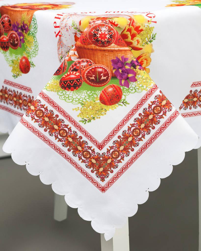 Праздничная скатерть с рисунком