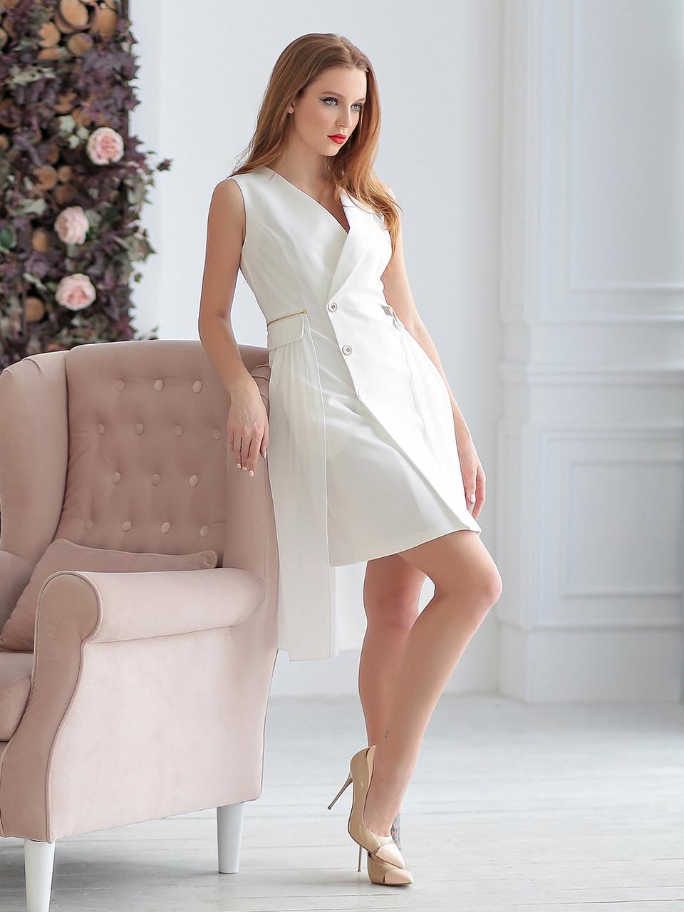 Платье-тренч в молочном цвете
