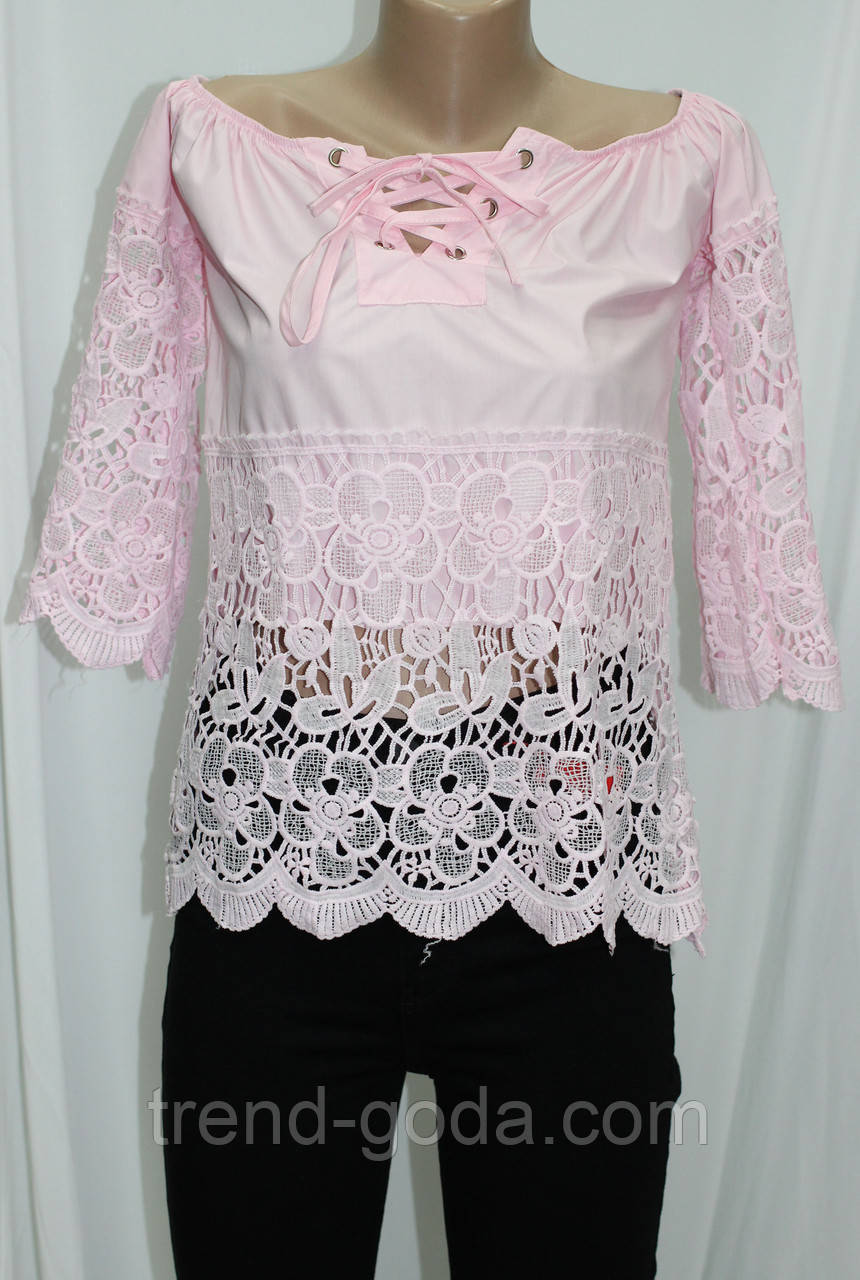 Блуза розовая, на шнуровке
