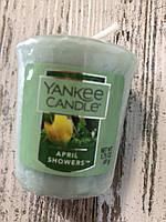 """Аромасвеча """"Весенние цветы"""" Yankee Candle"""