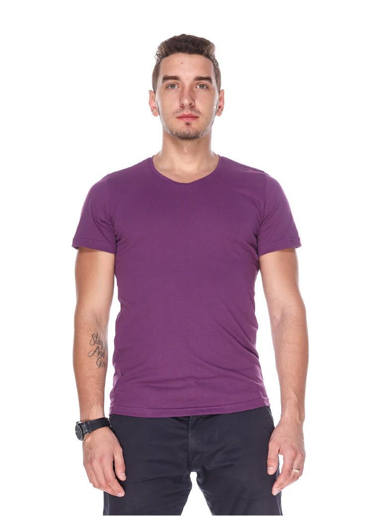 Футболка чоловіча горловина мис фіолетова