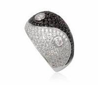Серебряное кольцо Инь и Янь с кубическим цирконием