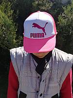 Стильная женская кепка (тракер) с принтом Puma (Пума) белая с ярко-розовым