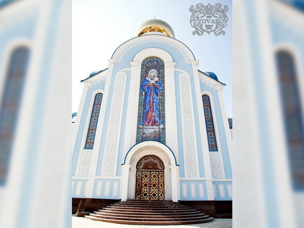 Церковные витражи Умиление Божьей Матери