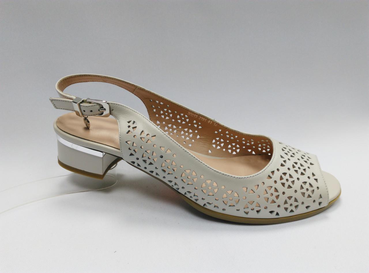 Кожаные босоножки на каблуке. Большие размеры ( 41 - 43 ).