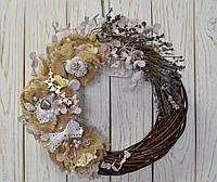 Венок на стену с цветами из мешковины , фото 1