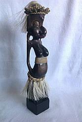 Декоративна  статуетка з дерева, Африканка