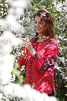 Жіноча лляна вишиванка червоного кольору з рослинним орнаментом
