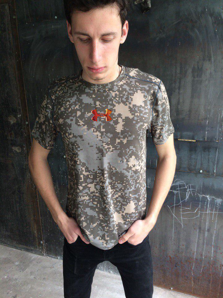 Мужская футболка Under Armour.Камуфляж
