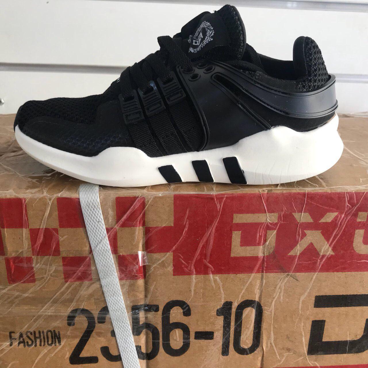 276937f5d24d Подростковые кроссовки оптом Adidas Подростковые кроссовки оптом от ...