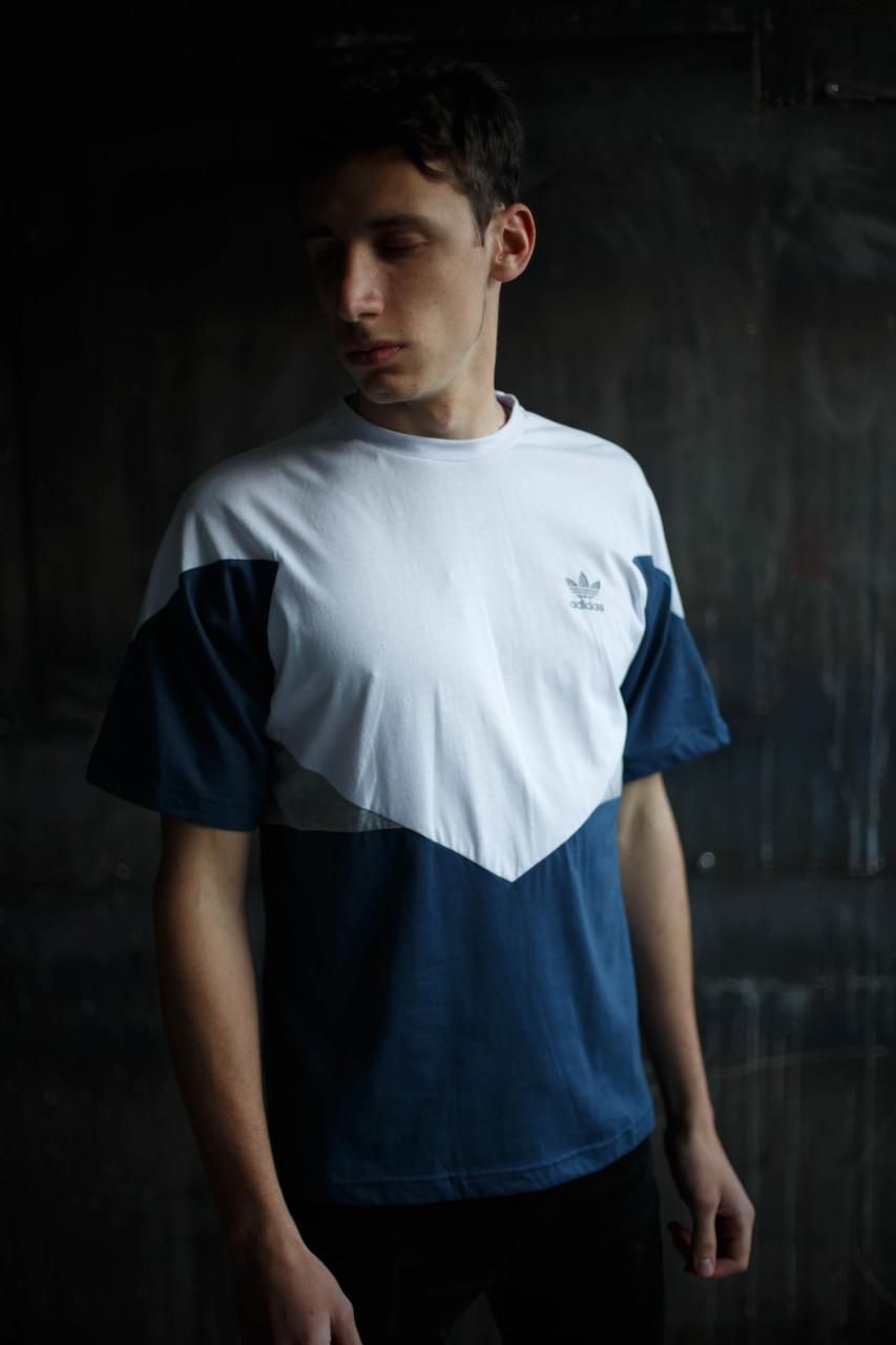 Мужская футболка Adidas.белая с синим
