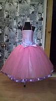 Нарядное платье на 4-5 лет с бантом и лентами