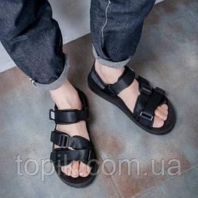 Модные сочетания повседневной одежды и мужских босоножек