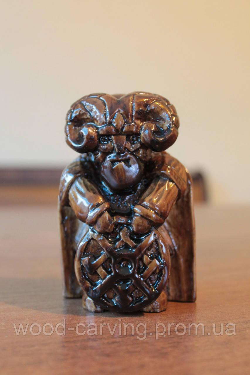 Фігурка Вікінга. Статуетка. Різьба по дереву