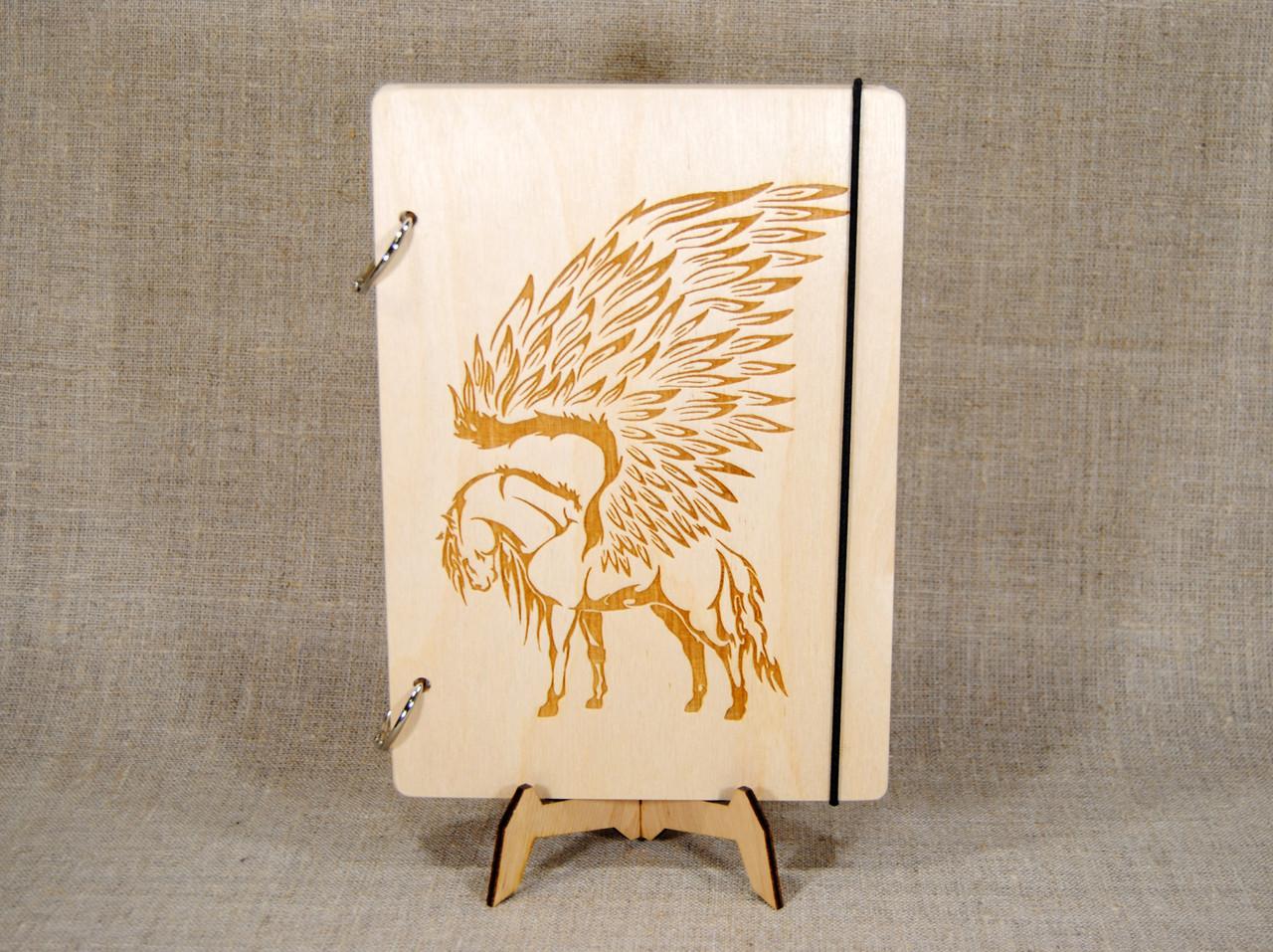 Деревянный блокнот M (А5 формат). Скетчбук Пегас. Блокнот с деревянной обложкой.