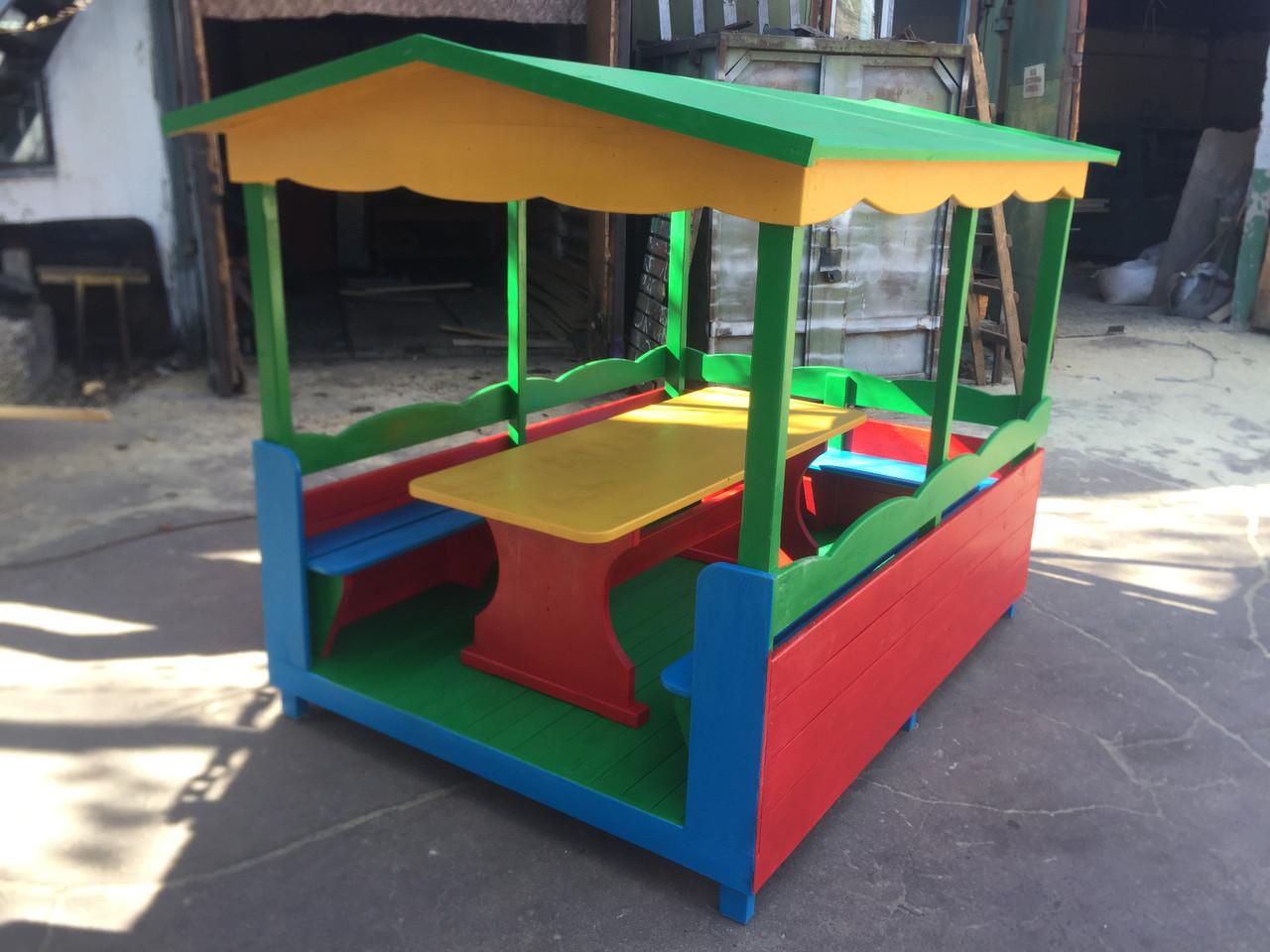 Беседка деревянная для детской площадки со столиком