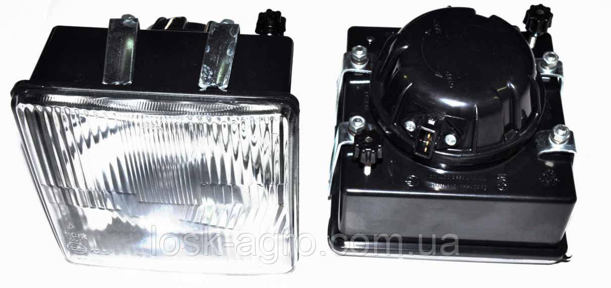 Фара МТЗ передняя квадратная с ламп. в пластм. корпусе