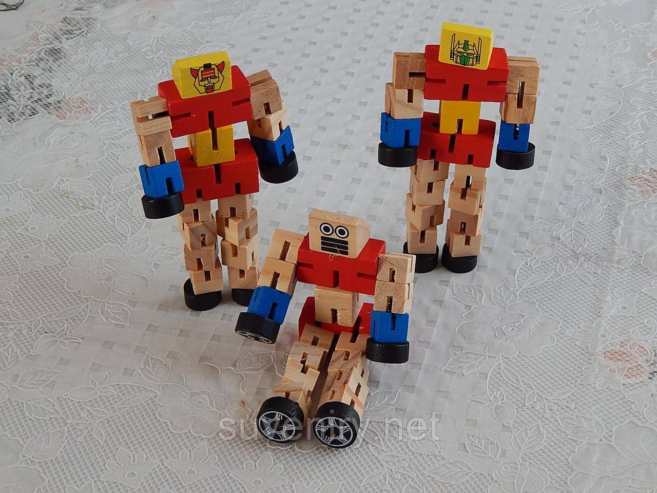 Детская деревянная игрушка робот средний