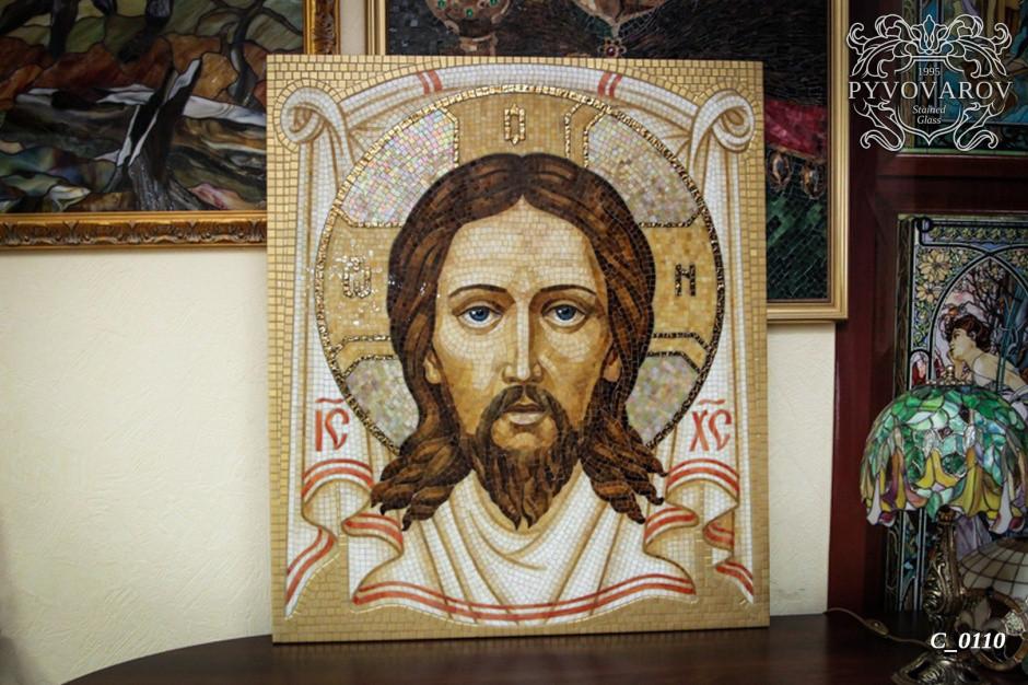 Икона Иисуса из кусочков цветного стекла