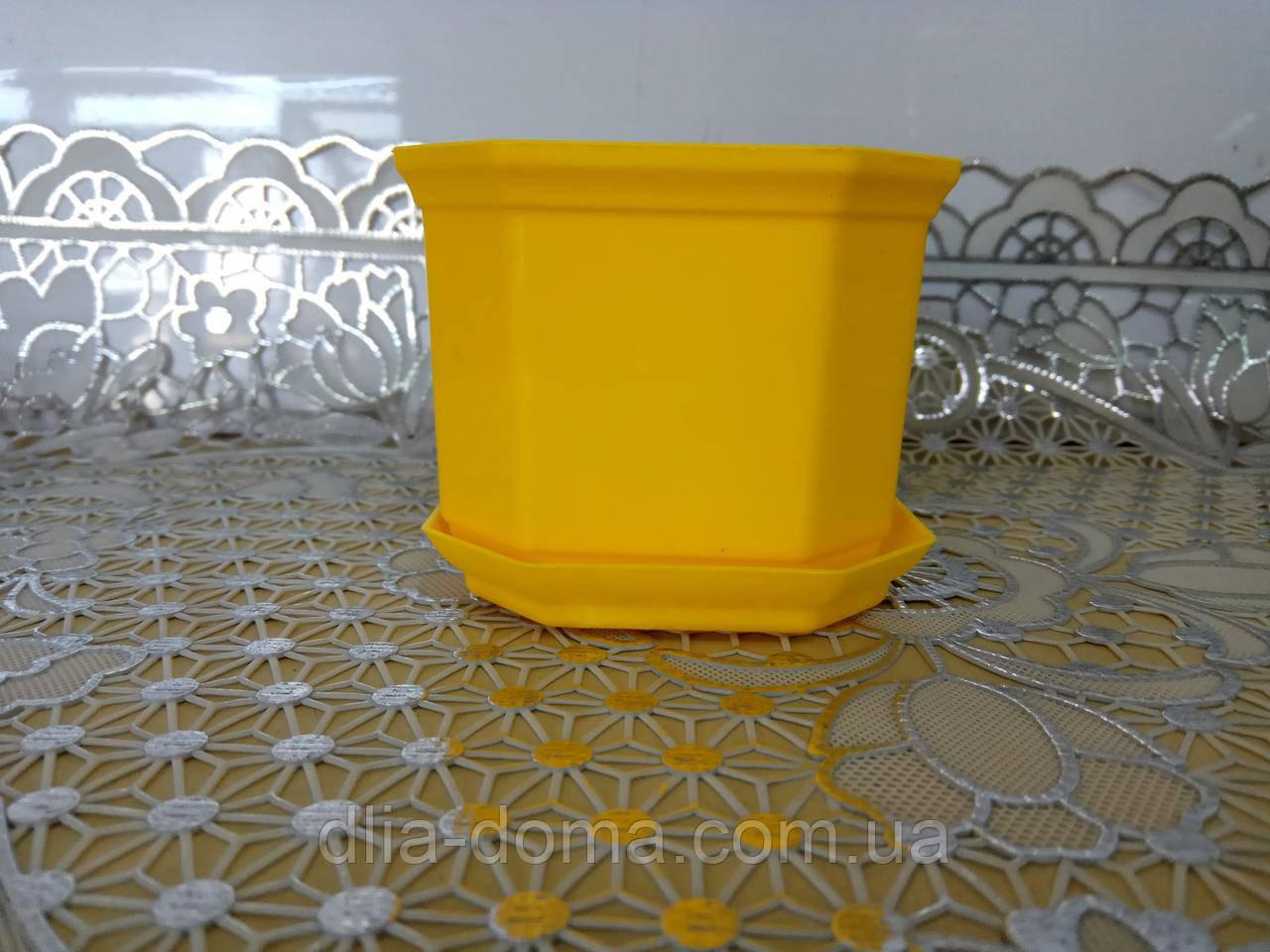 Кашпо Дама 8 жовта