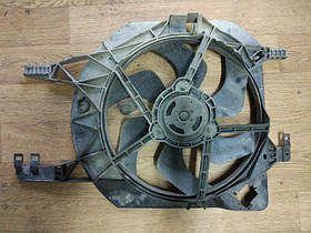Вентилятор радиатора (-АС) Renault Trafic, Opel Vivaro, 1.9, 2.0, 2001-2011, 7701069897 (Б/У)